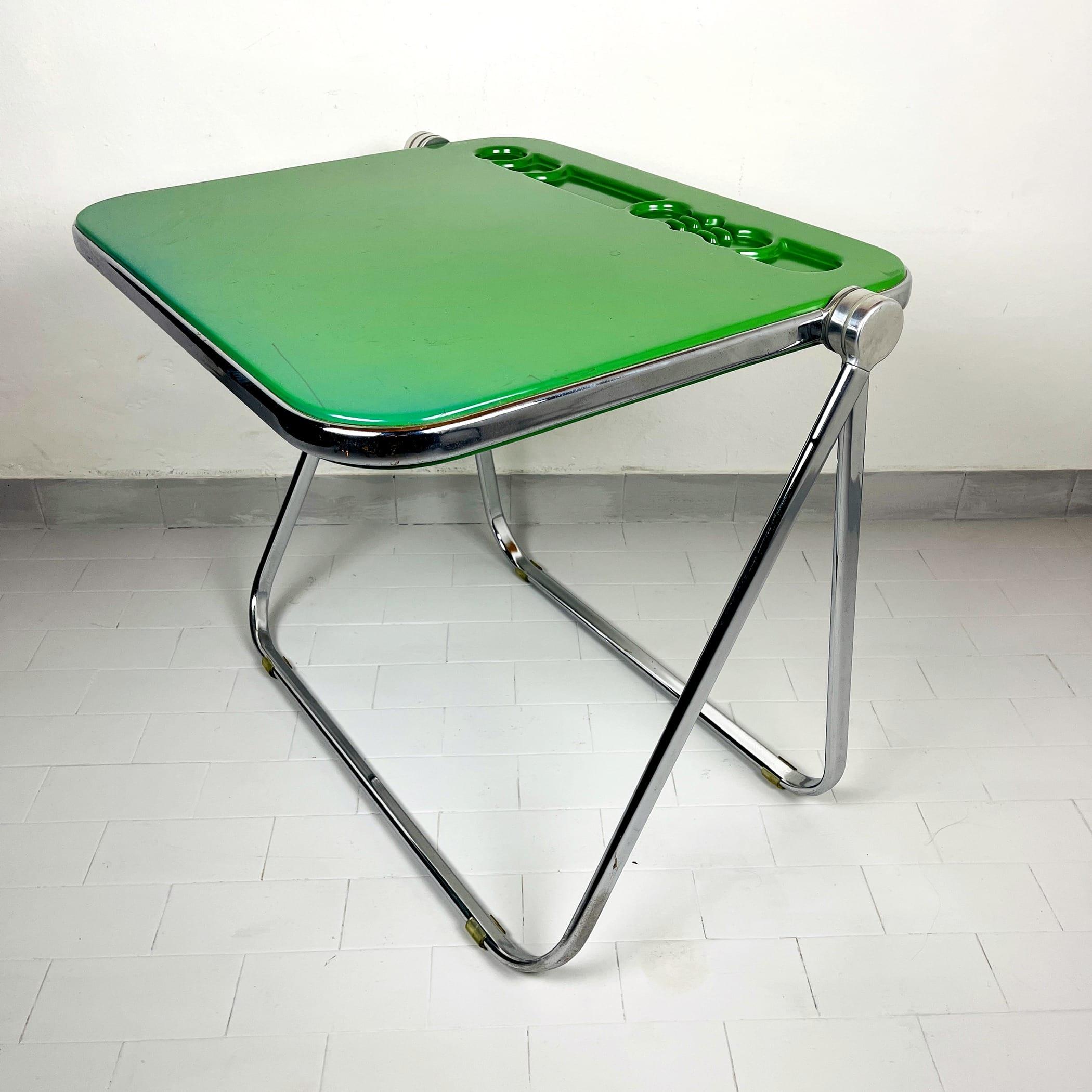 Platone folding table by Giancarlo Piretti