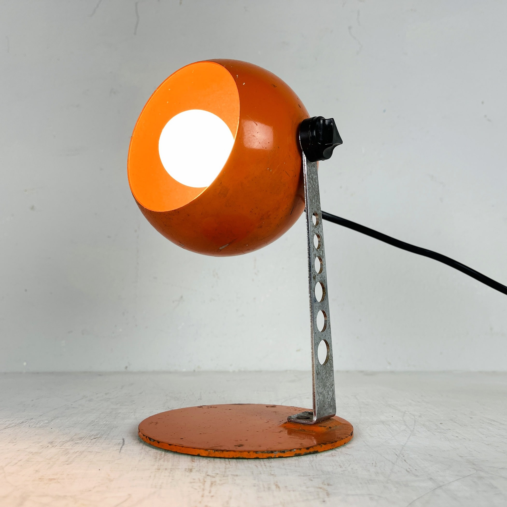 Mid-century orange metal desk lamp Eyeball by Targetti Sankey Italy 1960s Industrial table lamp