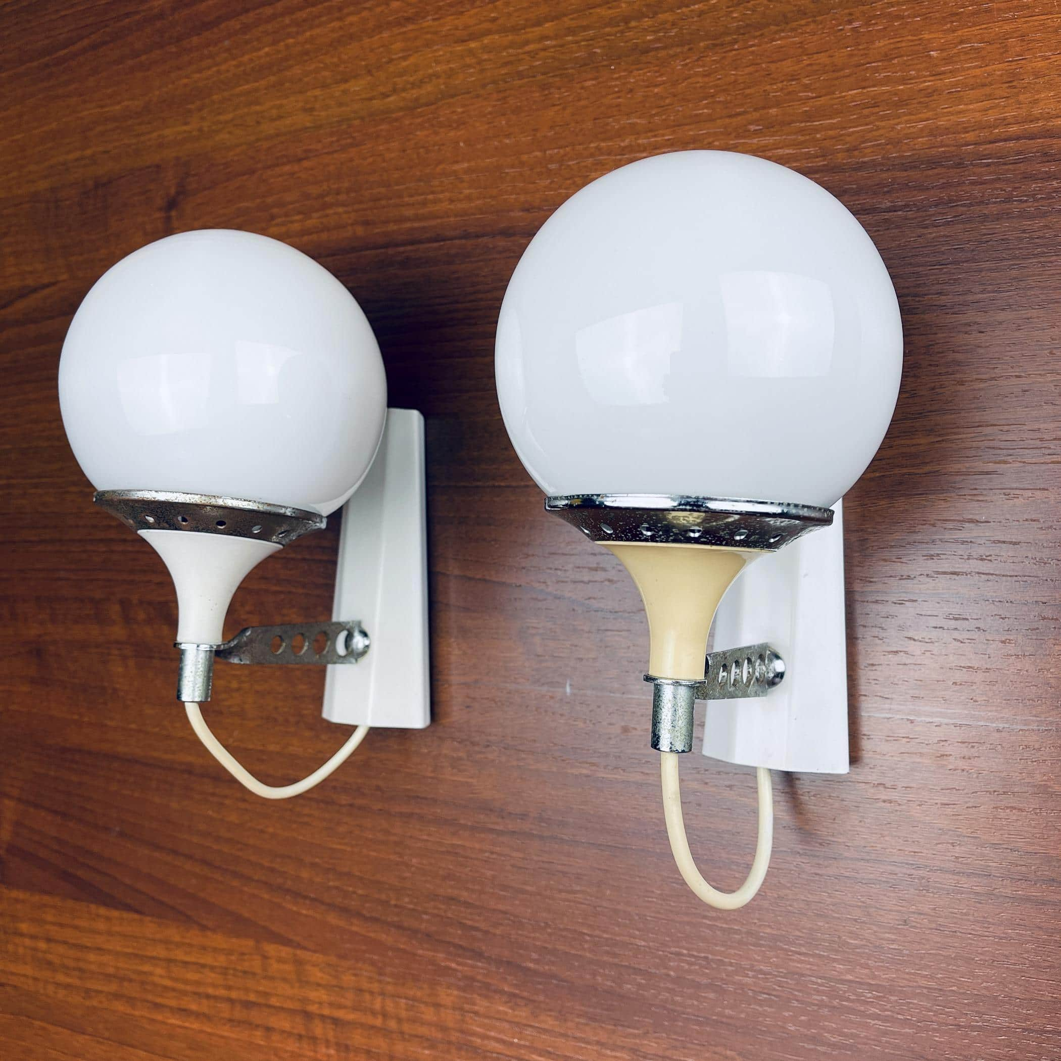Pair of mid-century white sconces Targetti Sankey Italy 1960s Retro wall lamps space age