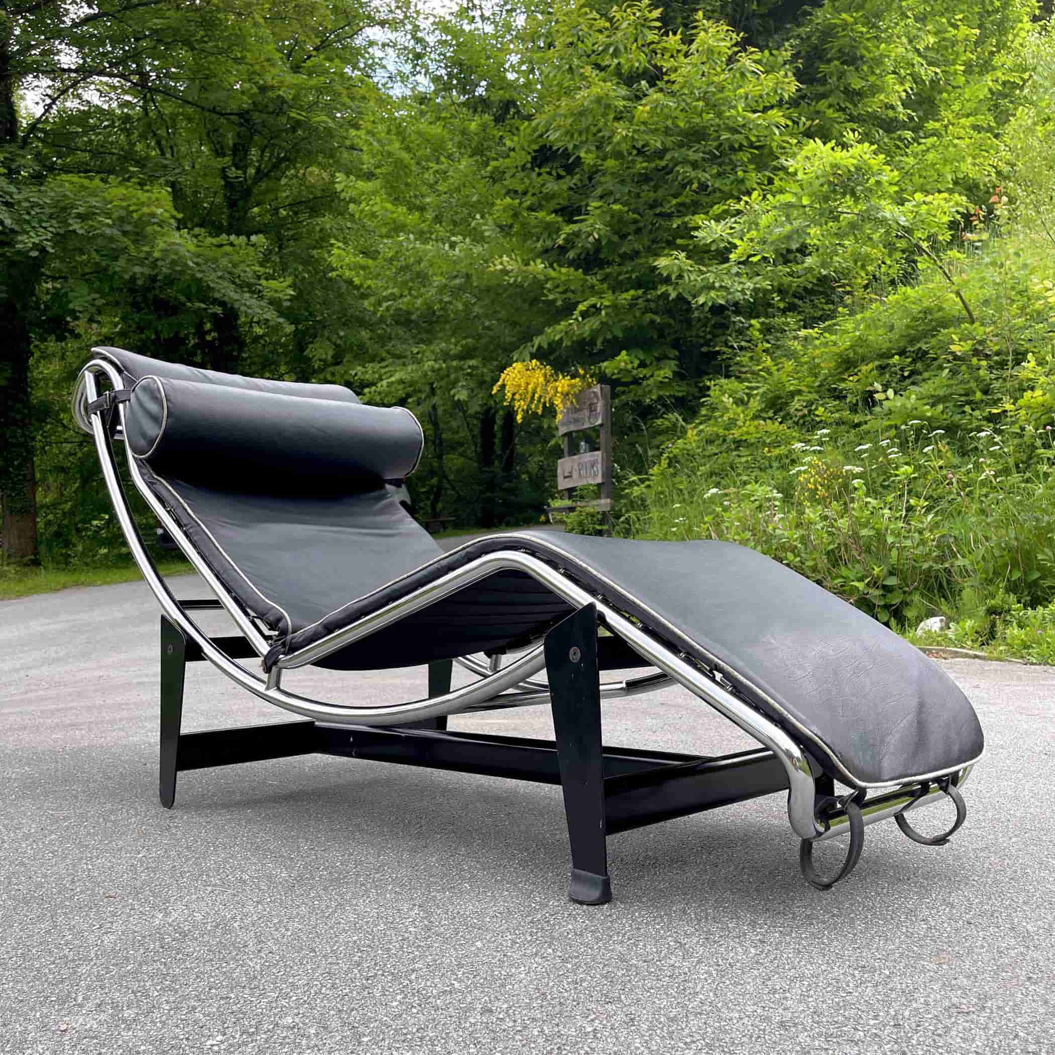 Vintage Le Corbusier LC4 Chaise Lounge Chair by Perriand, Le Corbusier & Jeanneret Italy 1970s