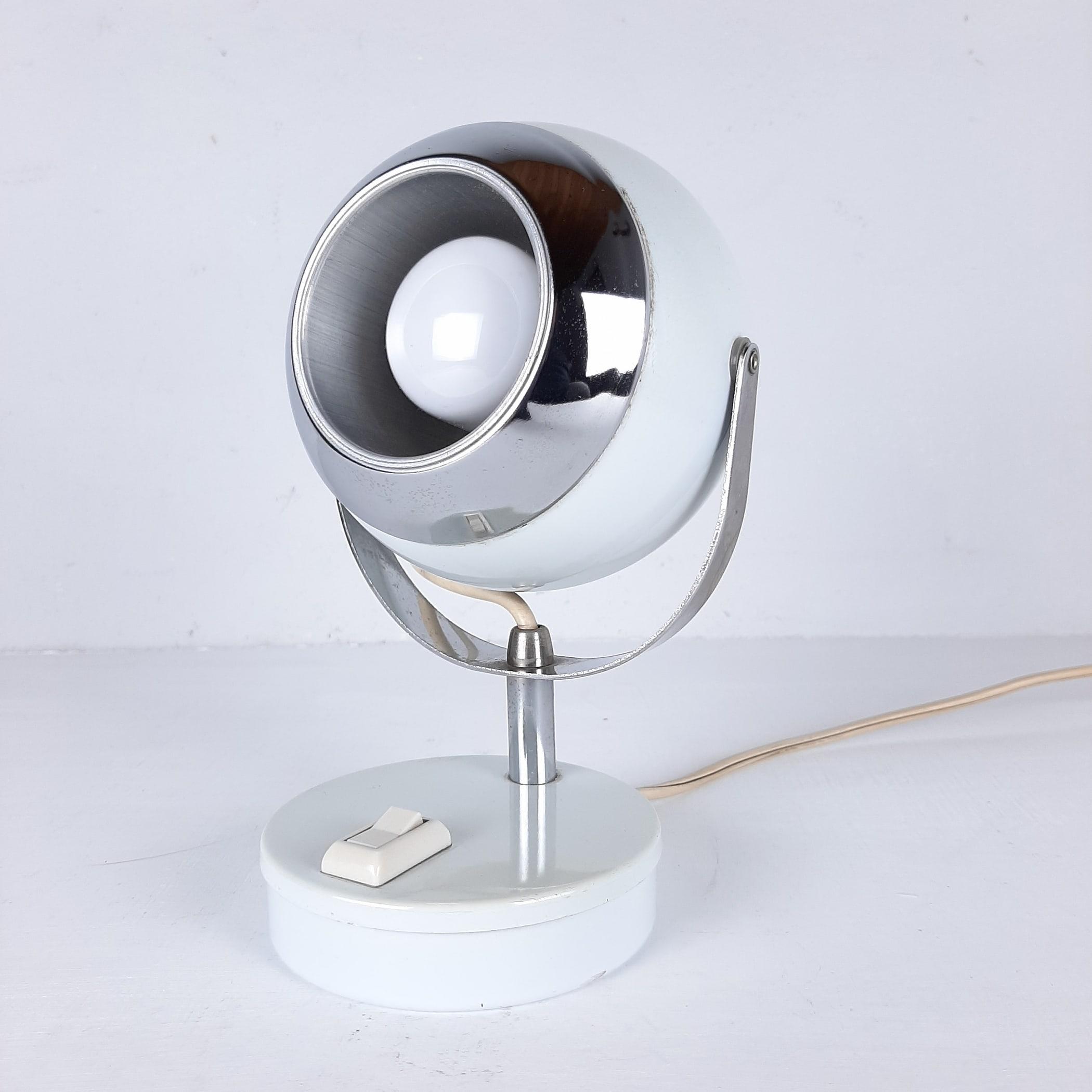 Mid-century white desk lamp Eyeball Italy 60s Retro lighting Space Age Atomic