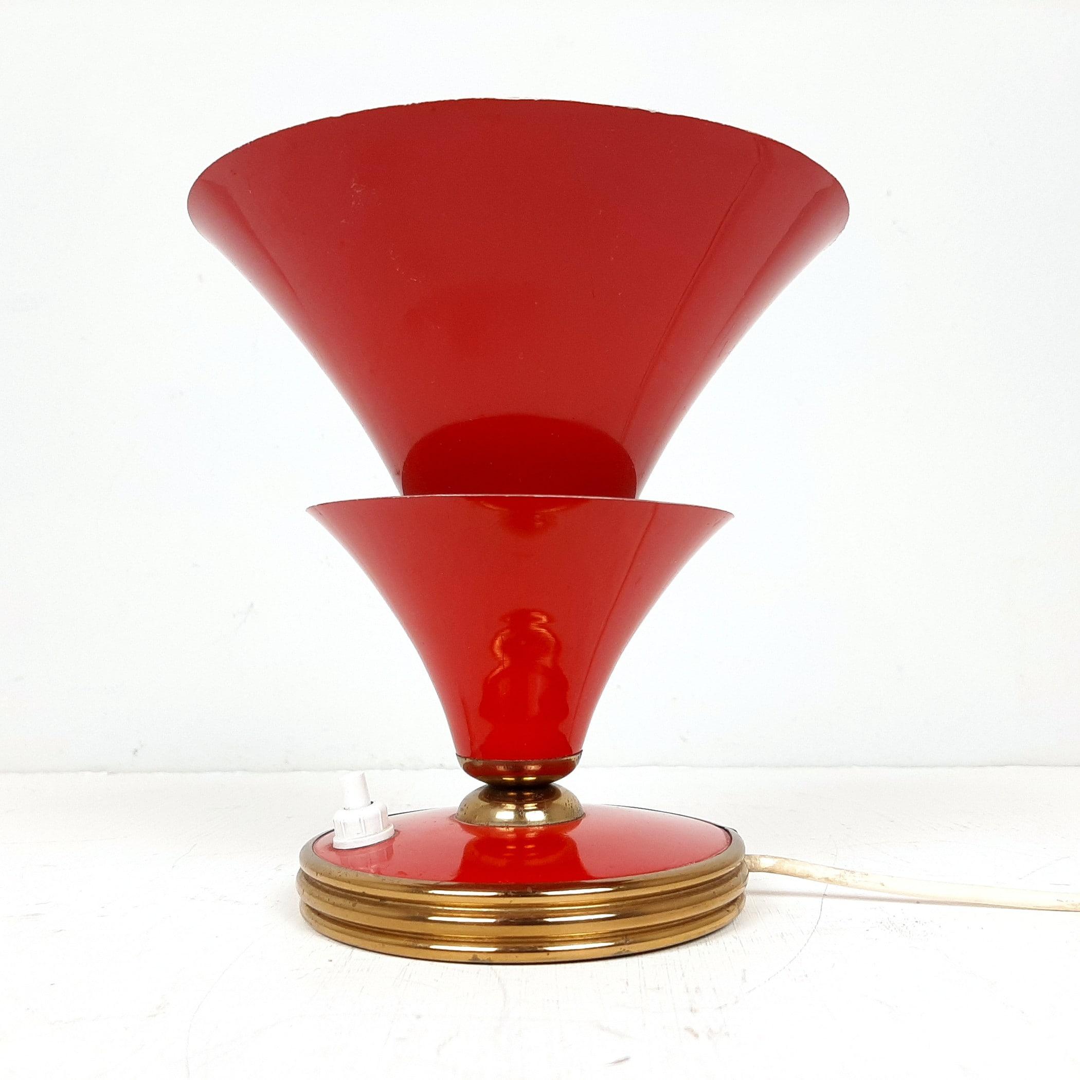 Vintage red table lamp Italy 50s Stilnovo era Mid-century design Modern enameled metal cone lamp