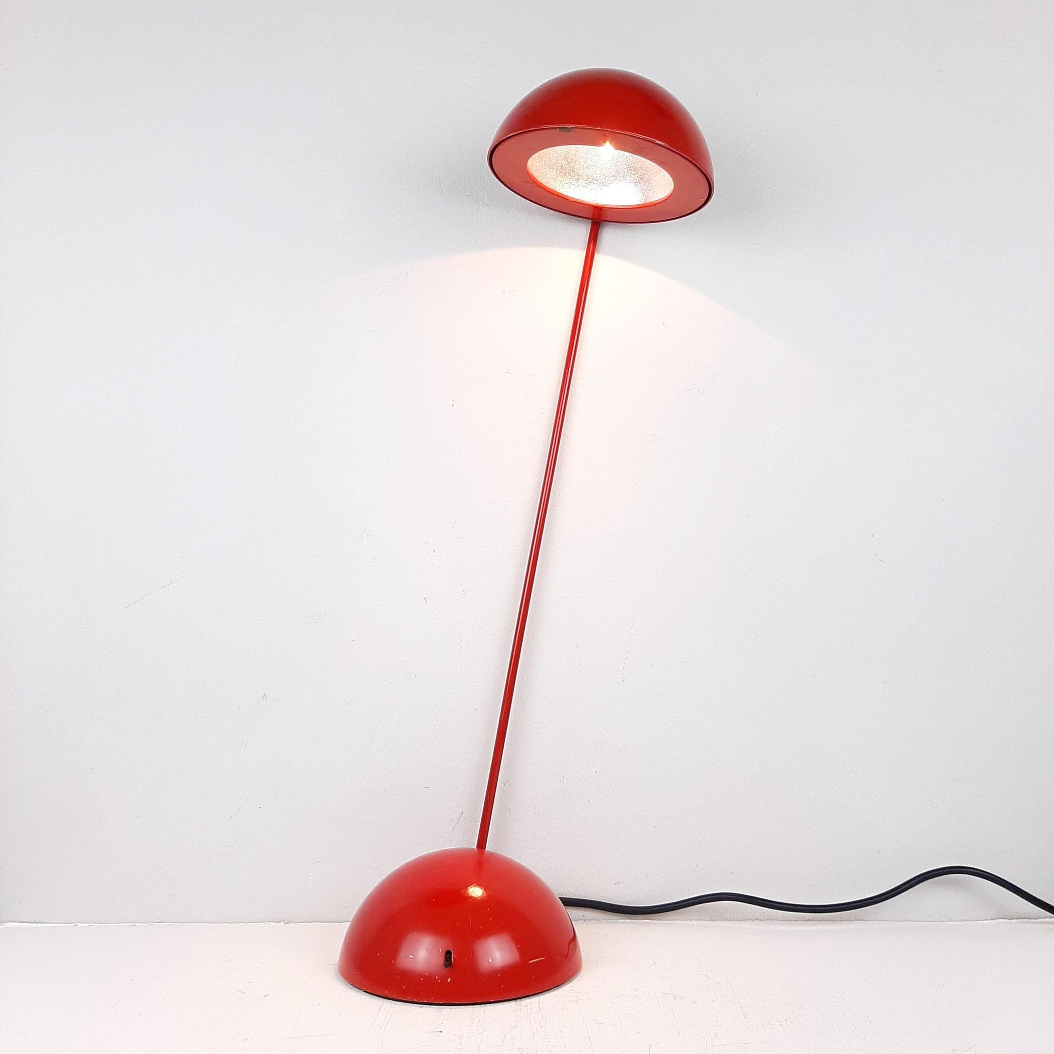 Retro red desk lamp 'Bikini' by Raul Barbieri & Giorgio Marianelli for Tronconi Italy 1980 Mid-century Italian design modern