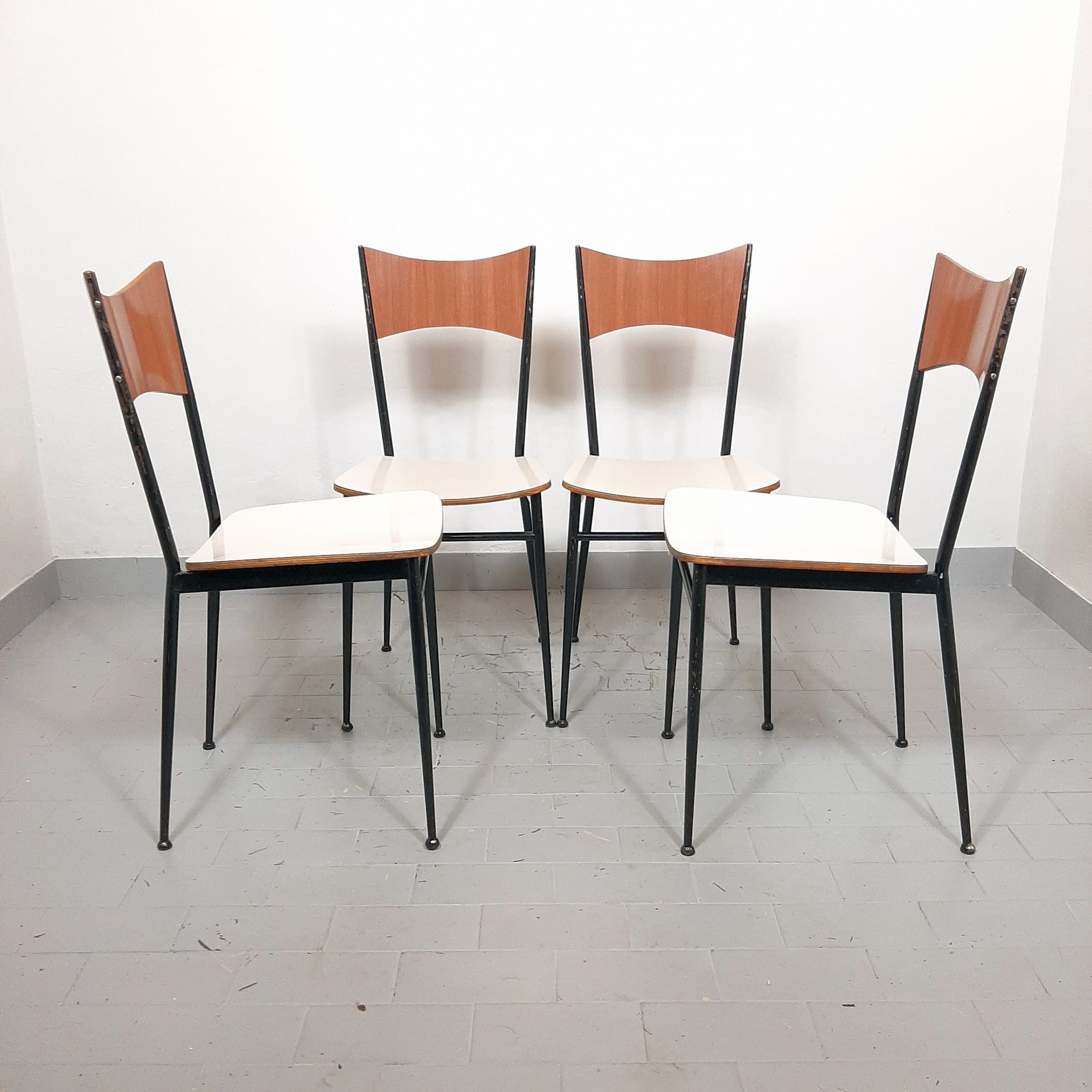 Set of dining chairs Italy '60s Mid-century living room modern