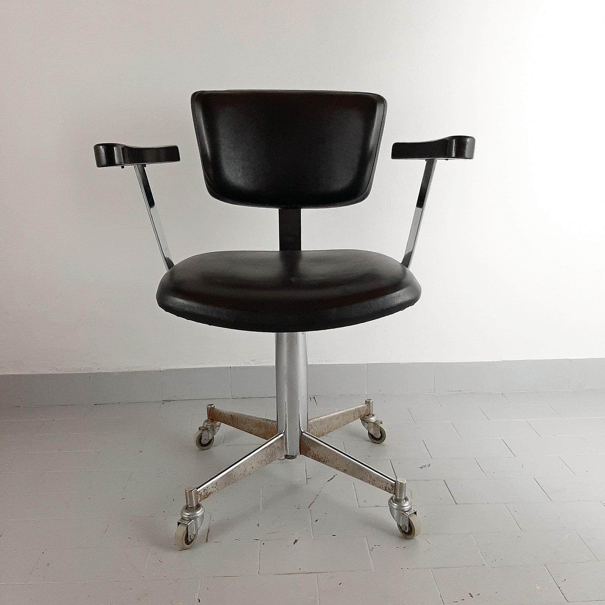 Retro black barber chair 50s Vintage Hairdresser chair Hair salon chair Office chair Desk chair Rolling chair