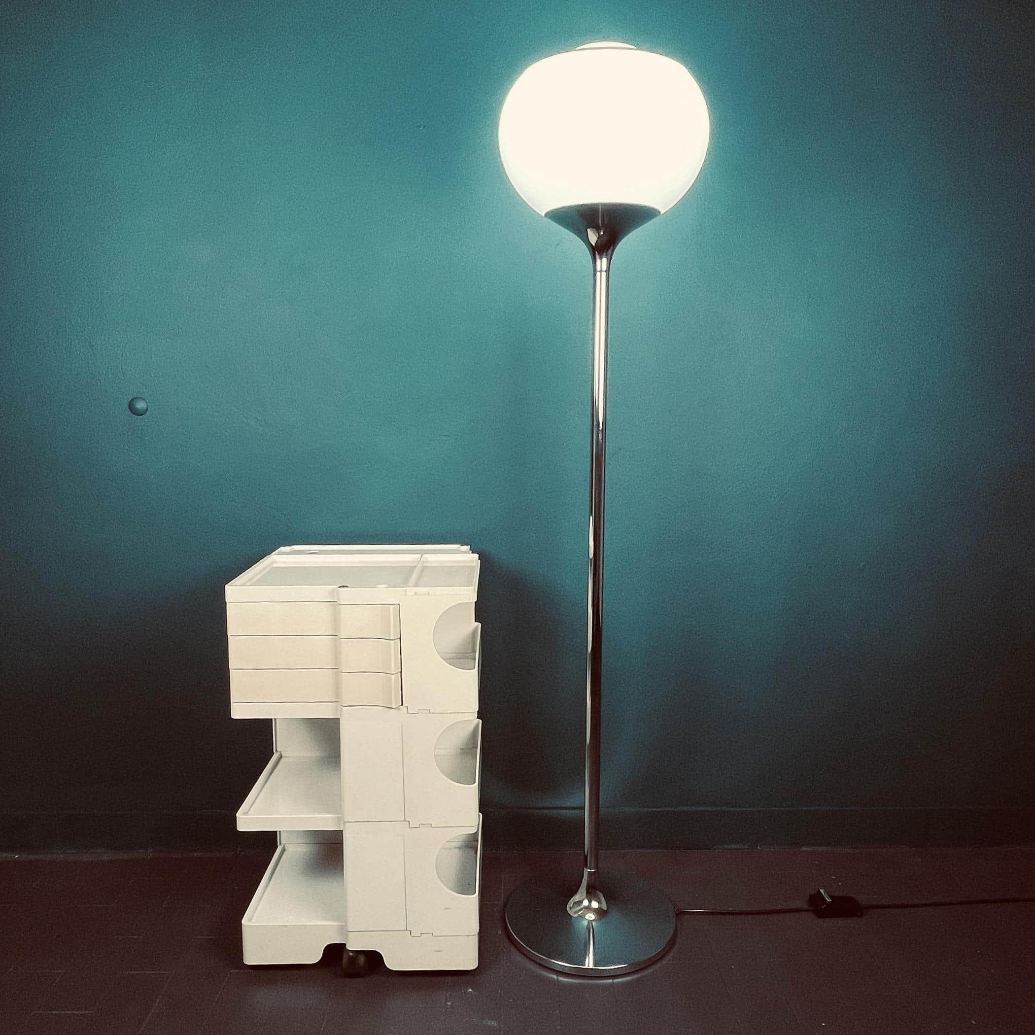 Mid-century floor lamp Bud Meblo by Luigi Massoni for Harvey Guzzini Italy 1960s Withe floor lamp Vintage Space Age