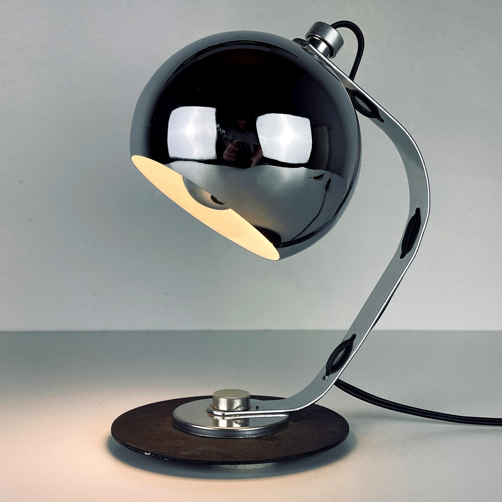 Mid-century desk lamp Eyeball Italy 1970s Space age Atomic metal chrome table lamp Retro home decor